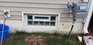 Small Glass Block Window With Vent